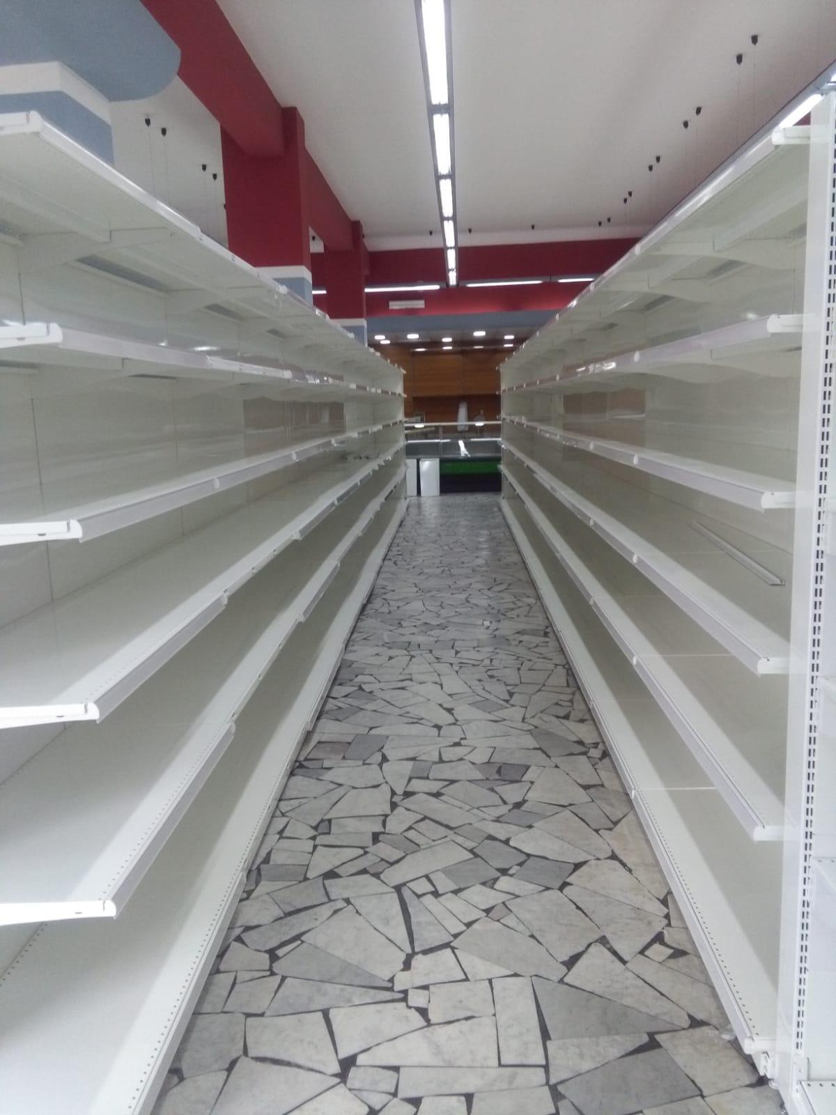 Scaffalature Per Supermercati Usate.Tecnostrutture Prezzi Scaffali Da Negozio Tipo Supermercato Murali