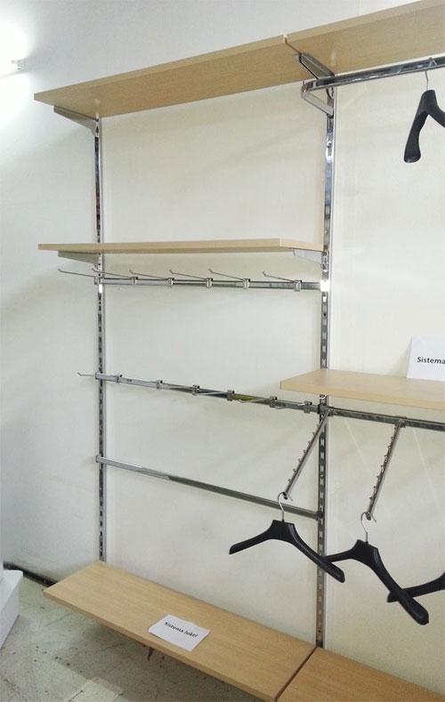 Scaffalature negozi napoli caserta avellino benevento for Scaffali a parete