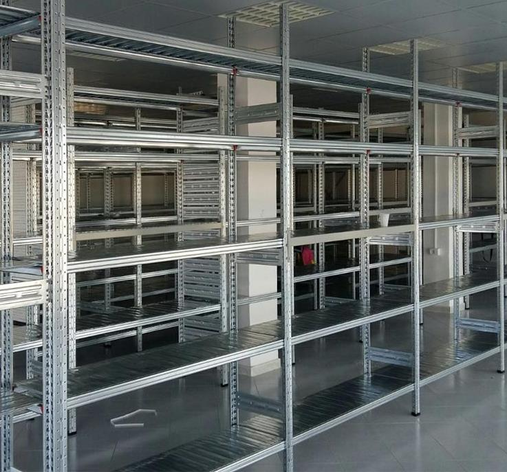 Tecnostrutture arredamento negozi prezzi scaffali for Arredo ufficio caserta
